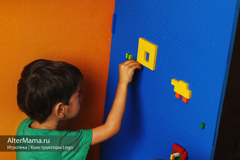 Lego игры в конструкторы и мозаики