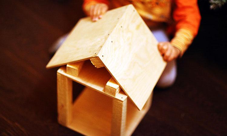 Как сделать с ребенком деревянную кормушку для птиц