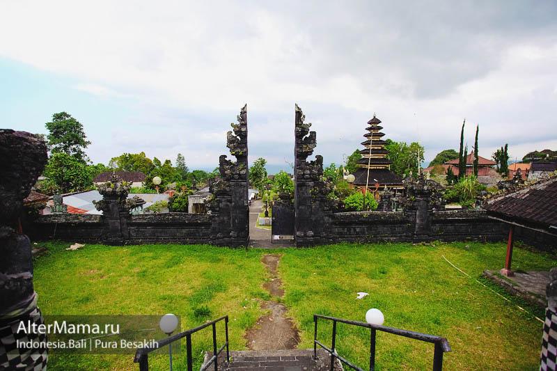 История храма Пура Бесаких