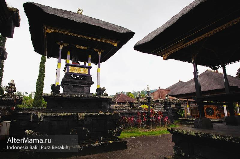 Храм Пура Бесаких Бали