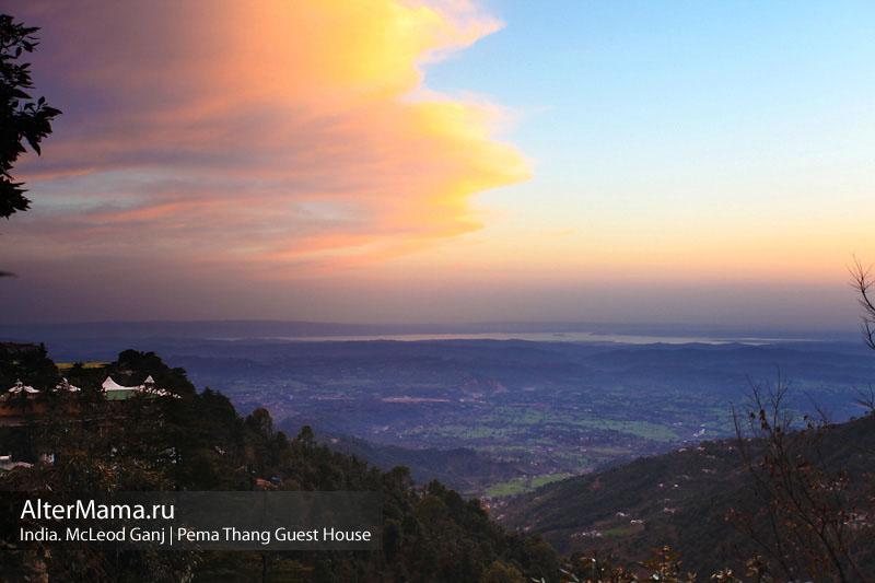 Забронировать жилье в Дхарамсале. Гест-хаусы в Маклеод Ганж рядом с Далай Ламой