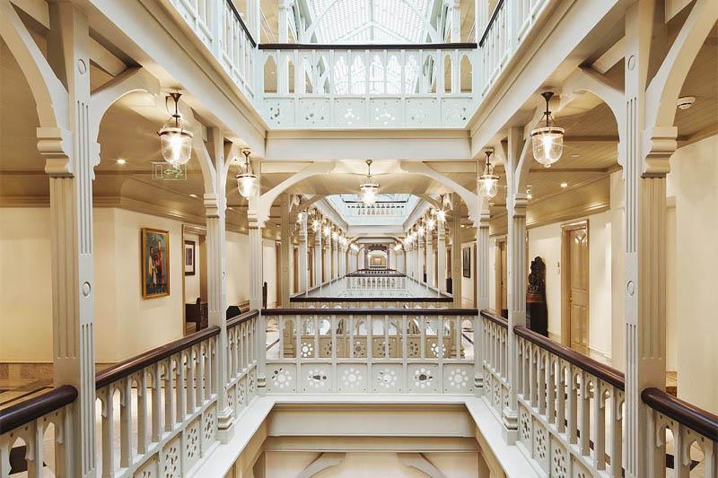 Сколько стоит отель Тадж Махал в Мумбаи
