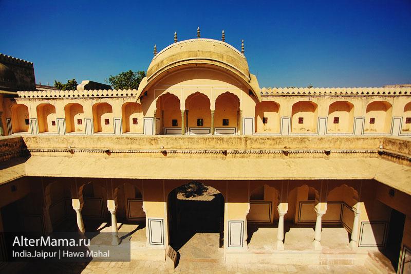 Сколько стоит билет во Дворец ветров в Джайпуре