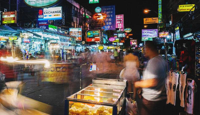 Каосан роад отели в Бангкоке рядом с королевским дворцом.