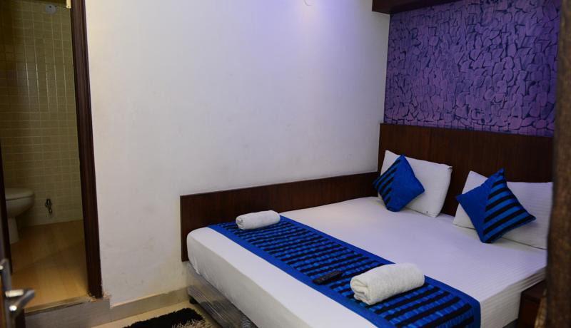 Найти хороошие отели в Дели Мейн Базар