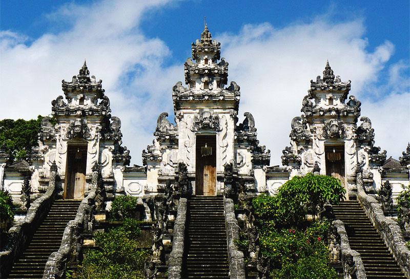 Храмы на Бали - главные храмы Бали Пура Лемпуянг Небесный храм