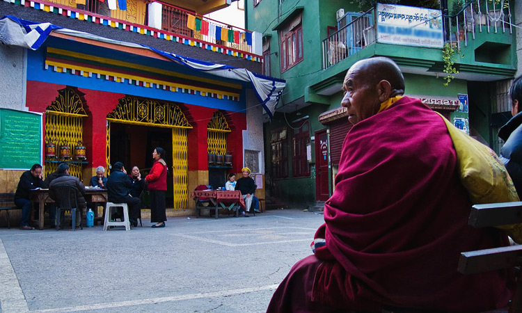 Район Маджну ка тилла фото - маленький Тибет Дели.
