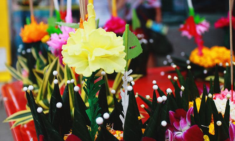 Тайский праздник Лои кратонг в Ао Нанге Краби.