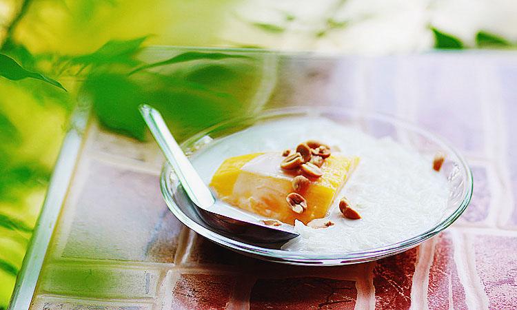 Вкусный пошаговый рецепт десерт с манго и кокосовым молоко.
