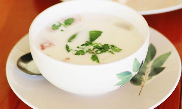 Тайский кокосовый суп с курицей