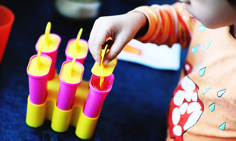Как сделать фруктовое мороженое для детей своими руками.