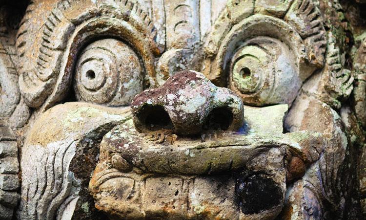 Пещеры Гоа Гаджа в Убуде на Бали. Храм Гоа Гаджа фототур.