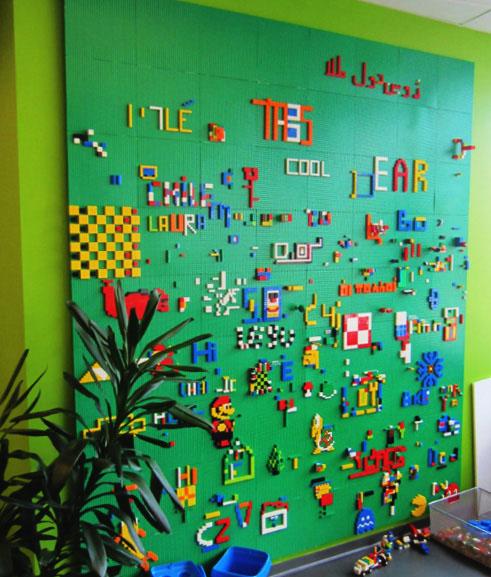 Играть в Lego Builders