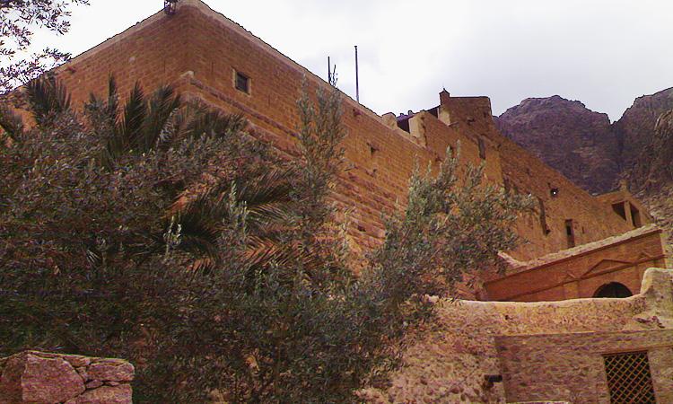 Монастырь Святой Екатерины на Синайском полуострове. Монастырь Святой Екатерины неопалимая купина Египет.