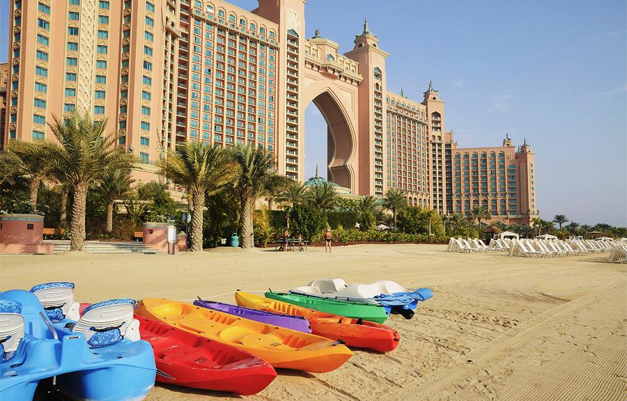 Лучшие отели в Дубае с приватным пляжем для семейного отдыха