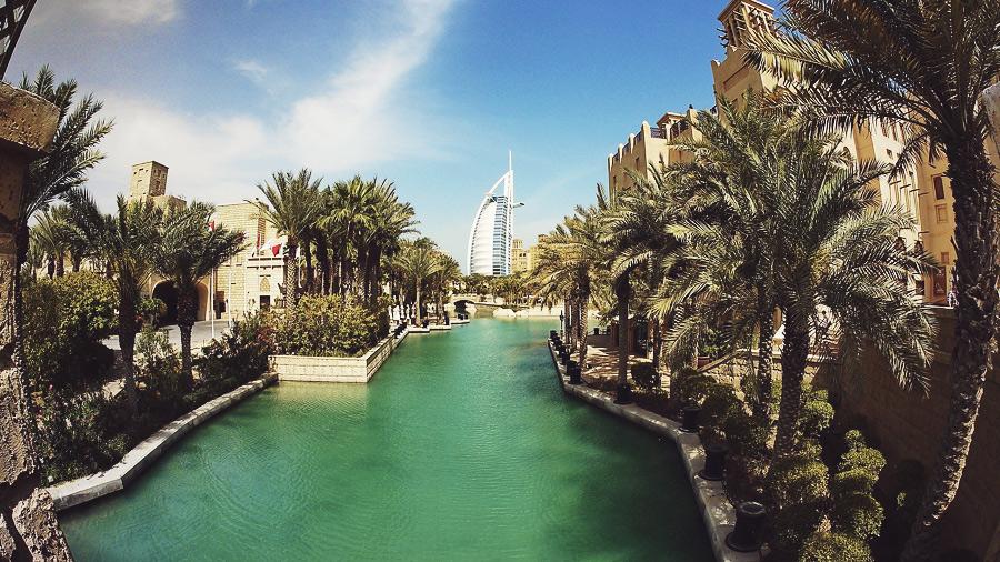 Вещевой рынок в Дубае Мадинат